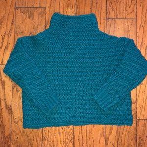 Free People, never worn XXS beautiful sweater!